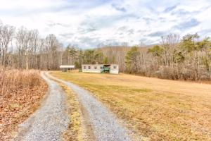 8022 GRACIE RD, Salem, VA 24153