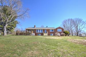 1888 Trails End RD, Goodview, VA 24095