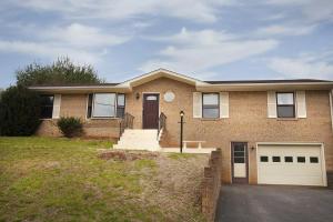 71 Lois LN, Roanoke, VA 24019