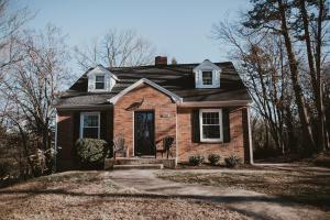 2582 Creston AVE SW, Roanoke, VA 24015