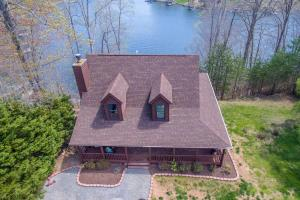 1715 Mallard Point RD, Wirtz, VA 24184