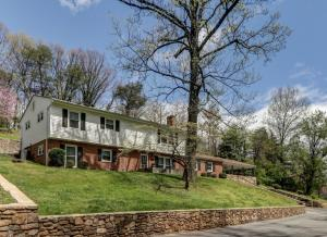763 Oakwood DR SW, Roanoke, VA 24015
