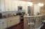 Quartz counter,stainless appliances