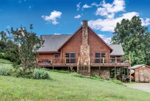 59 Arrow LN, Hardy, VA 24101