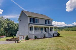 22932 Craigs Creek RD, New Castle, VA 24127