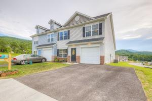 4294 Hannah Belle WAY, Roanoke, VA 24018