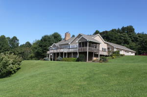 9237 Patterson DR, Bent Mountain, VA 24059