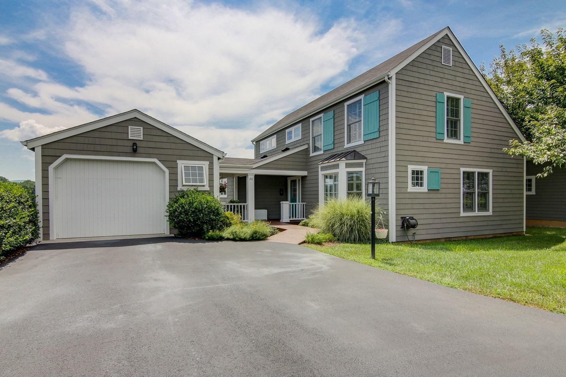 Photo of 20 Cottage LN Moneta VA 24121