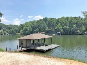 130 Lake Pointe TRL, Glade Hill, VA 24092