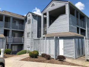 71 Waterside CIR, 6-D, Moneta, VA 24121