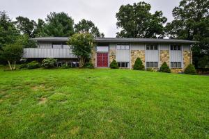 901 Old Court LN SW, Roanoke, VA 24015