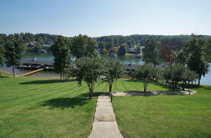 335 S Pointe Shore DR, 307, Moneta, VA 24121