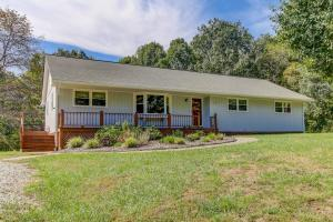 36 PINEVIEW DR, Hardy, VA 24101