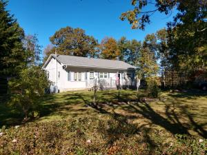 152 Oak View LN, Riner, VA 24149