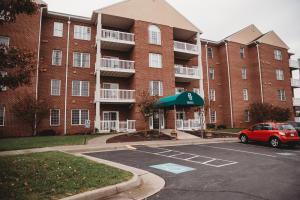 4444 Pheasant Ridge RD, 208, Roanoke, VA 24014