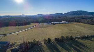 711 School Board RD, Rocky Mount, VA 24151