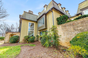 5000 FOX RIDGE RD, Roanoke, VA 24018