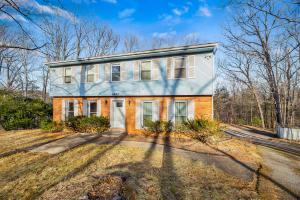 5950 COUNTRY VIEW RD, Roanoke, VA 24018