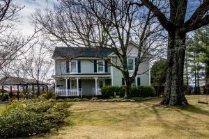 3536 Old Franklin TPKE, Glade Hill, VA 24092