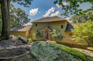 1023 Overlook PKWY, Hardy, VA 24101