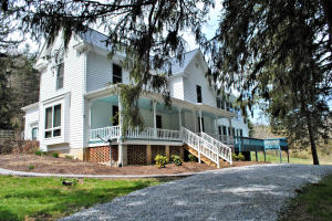 4.Eight Acres With 700' Of Frontage On Little River