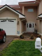 1062 Siesta Key CT, Moneta, VA 24121