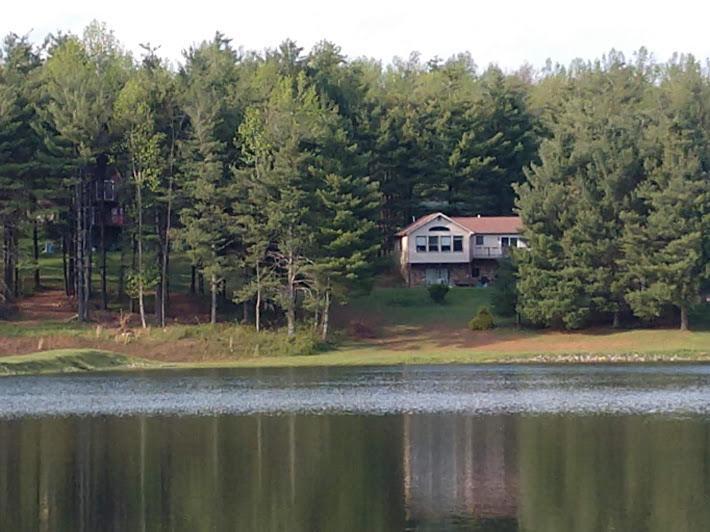 Photo of 264 Spring Lake DR Copper Hill VA 24079