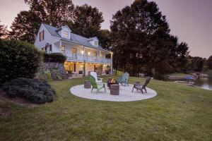 508 Pleasure Point DR, Goodview, VA 24095