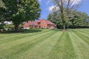 2902 Brughs Mill RD, Fincastle, VA 24090