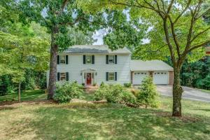 2704 Summit Ridge RD NE, Roanoke, VA 24012