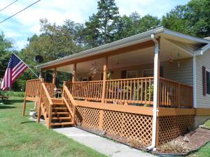 5327 Yellow Mountain RD, Roanoke, VA 24014