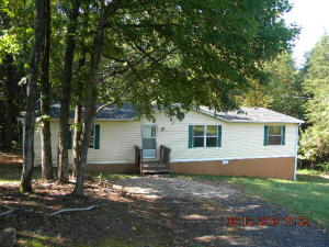 202 BOARD MOUNTAIN RD, Goodview, VA 24095