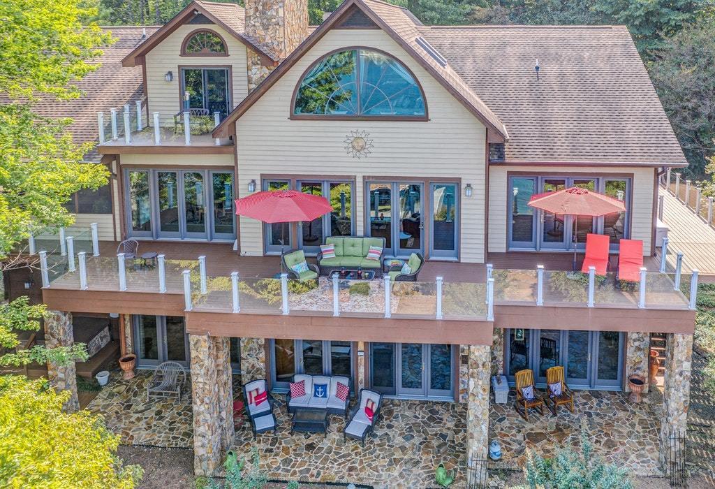 Photo of 820 Somerset Cove RD Union Hall VA 24176