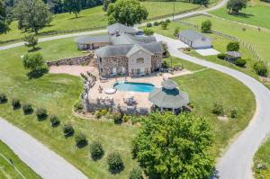 1481 Little Timber Ridge, Buchanan, VA 24066