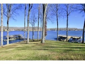 265 Shore DR, Moneta, VA 24121