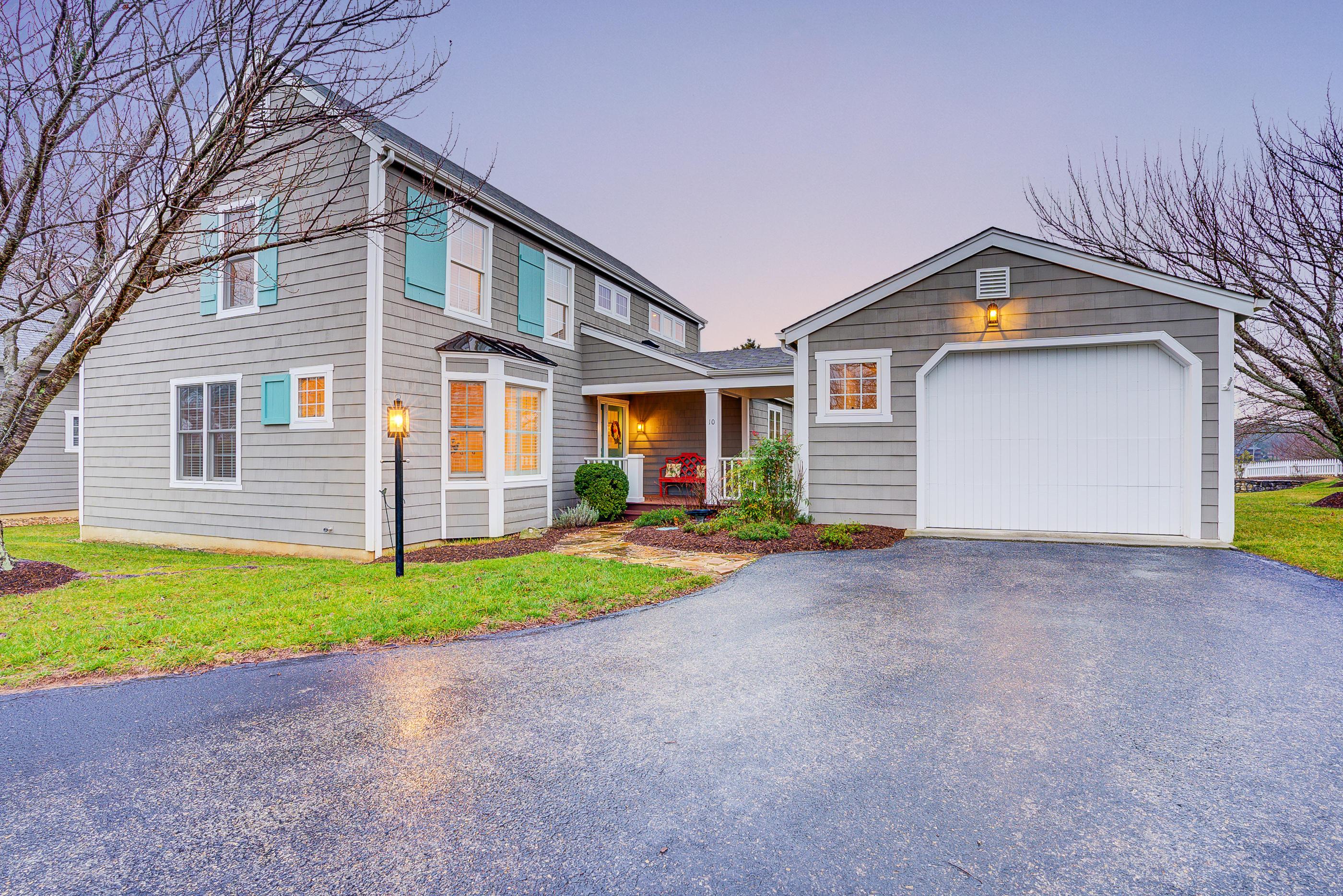 Photo of 10 Cottage LN Moneta VA 24121