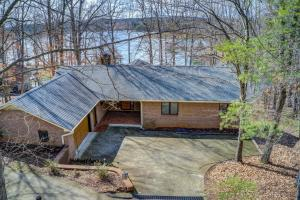 1110 Nature LN, Union Hall, VA 24176