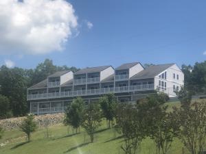 16109 Smith Mountain Lake PKWY, S-1, Huddleston, VA 24104