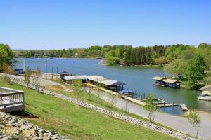 16109 Smith Mountain Lake PKWY, G-6, Huddleston, VA 24104