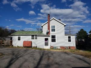 19 Main ST, Eagle Rock, VA 24085