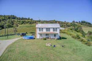 1375 Simmons Mill RD, Thaxton, VA 24174