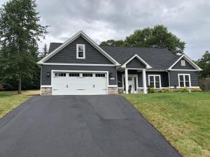 718 Ambler LN, Salem, VA 24153