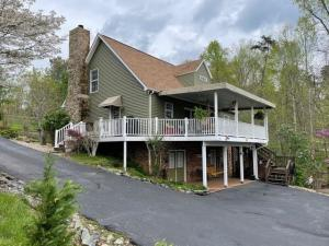 149 Sandy Point CT, Union Hall, VA 24176