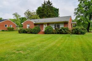 4905 Woodmar DR SW, Roanoke, VA 24018