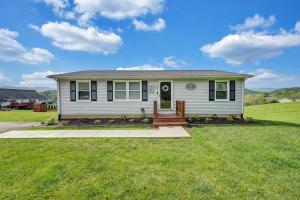This home is Better Than New. Designer Look, Modern and Immaculate. Truly a Turnkey Property in Southern Botetourt County.