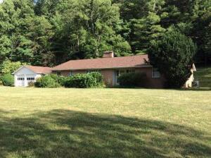 273 Paint Bank RD, New Castle, VA 24127