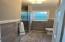 Large Shower w/ glass doors