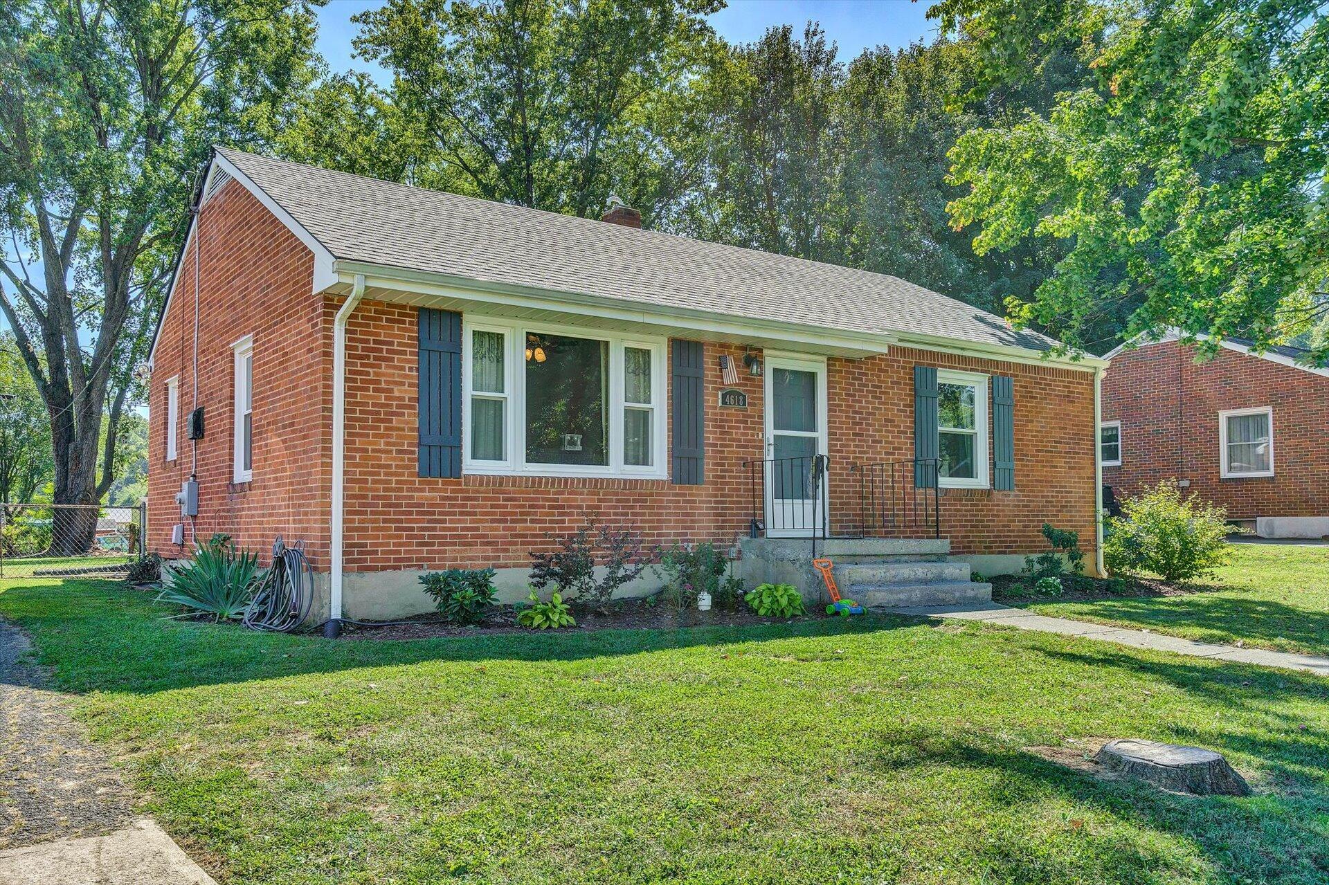 Photo of 4618 Sloan RD Roanoke VA 24017