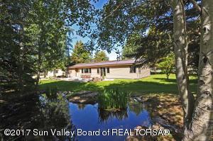 8 Baseline Ext Rd, Bellevue, ID 83313