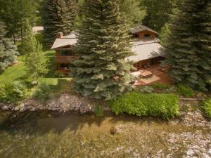 554 Wood River Dr, Ketchum, ID 83340